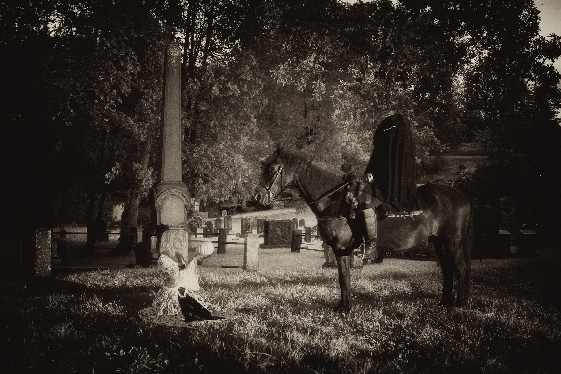 Headless horseman at Sleepy Hollow Cemetery with Katrina Van Tassel
